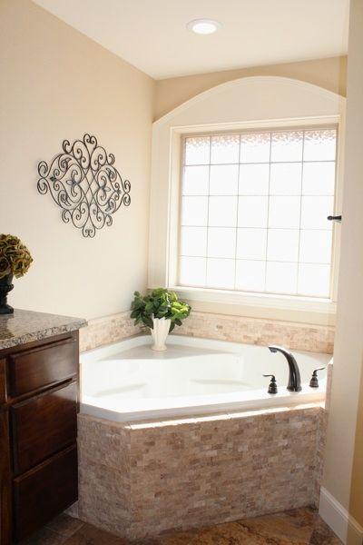 master bath corner tub | Legend Homes Custom Home Builder Abilene TX