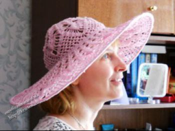 Розовая шляпа, связанная крючком. Вязание крючком.