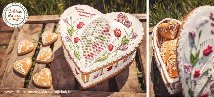 Tavaszi virágos mézeskalács doboz