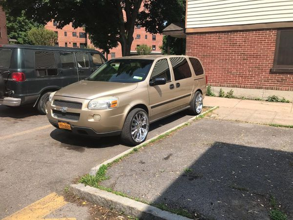 2006 Chevy Uplander Comes With 2 10 2 6 Highs 2 12 Inch Bass Mechanic Own Runs And Drive Perfectly For Sale In Syracuse Ny Offerup Chevy Uplander Chevy Mechanic