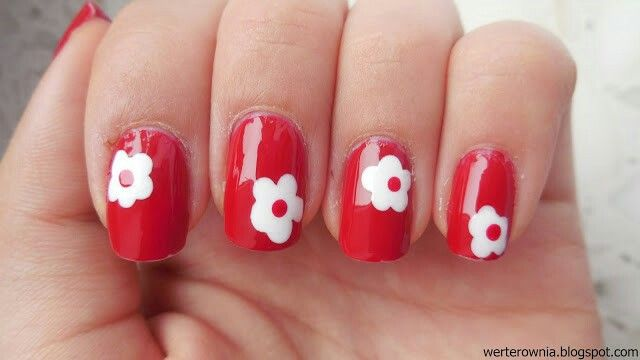 #Werterownia #nails #nailart #biało-czerwone #paznokcie #flowers