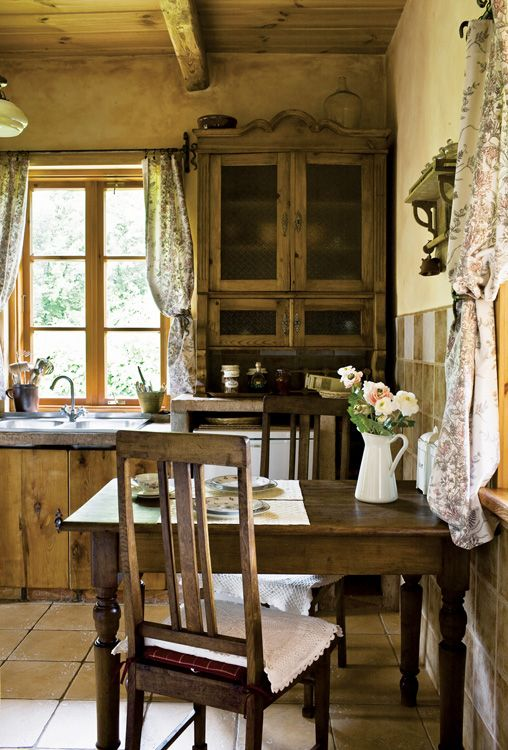 Another angle of this wonderful kitchen. Feels as romantic as an EM Forrester novel - I half expect Helena Bonham Carter to walk in.