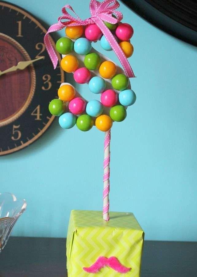 Decorare la tavola per un buffet - Alberello di caramelle