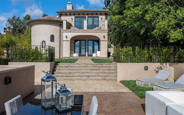 MAJESTIC GATED HOLLYWOOD HILLS COMPOUND | California Luxury Homes