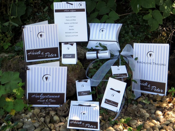 Gestreifte Hochzeitskarten flieder und braun.