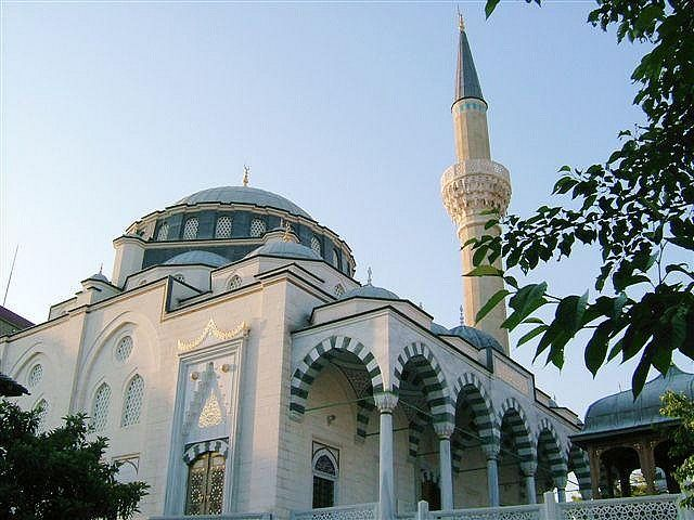 277 best masajid mosques images on pinterest beleza beautiful tokyo green mosque thecheapjerseys Image collections