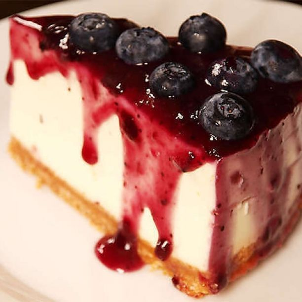 Cheesecake ai mirtilli #cheesecake #mirtilli #torte  http://www.tribugolosa.com/ricetta-64189-cheesecake-ai-mirtilli.htm