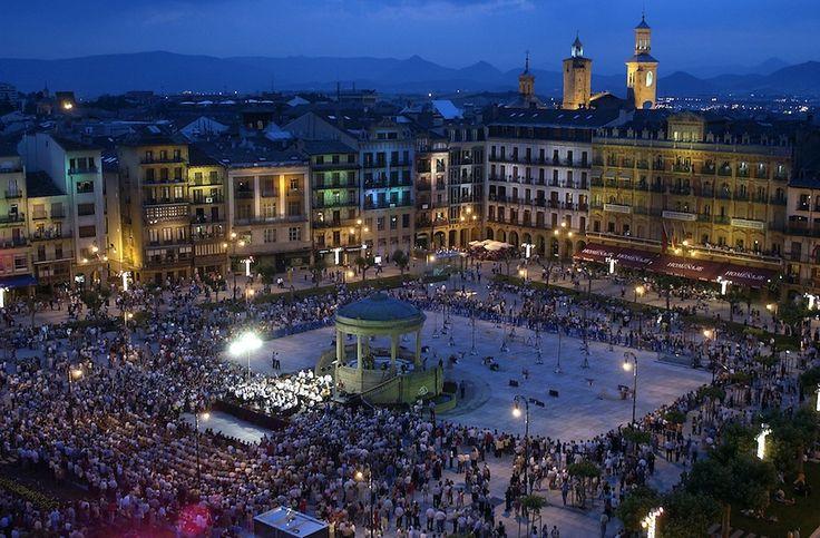 La Plaza del Castillo, Pamplona, Navarra, Camino de Santiago