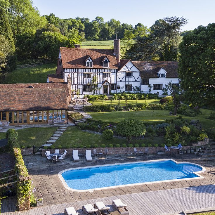 Roger Hargreaves lived in Sussex House Farm during the 1970s and 1980s, writing many of the Mr Men and Little Miss books here. Prior to this, the house was owned by legendary actor Sir John Mills.