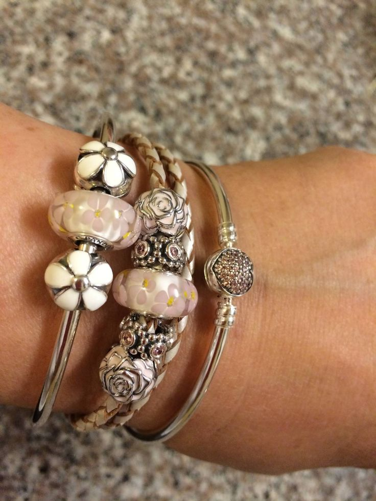Pandora Pink Her Majesty Spacers With Rose Garden Clips