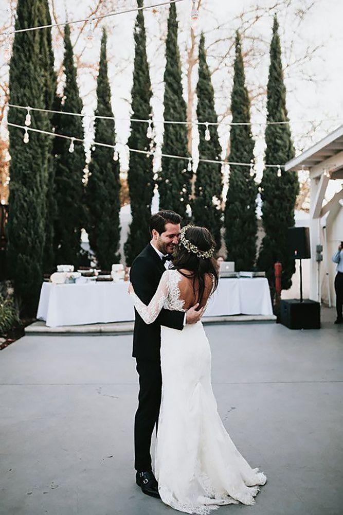 24 Breathtaking First Dance Wedding Shots ❤ See more: http://www.weddingforward.com/first-dance-wedding-shots/ #weddings #photography