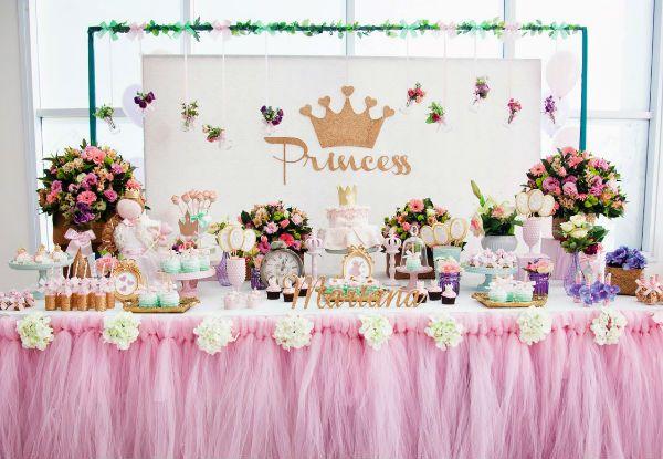 50 ideias incríveis para fazer uma festa de princesa!