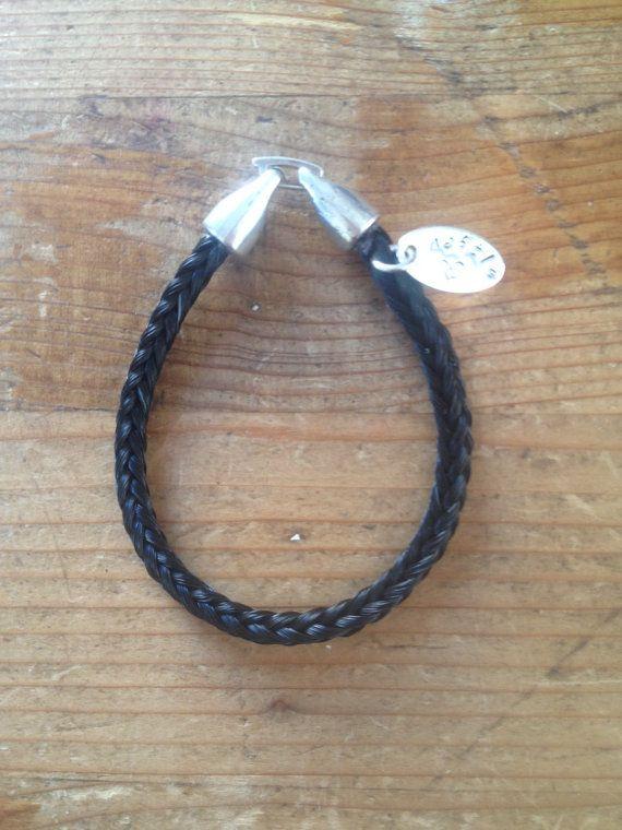 Armband van paardenhaar vierkant gevlochten met door Deschatvanjoy