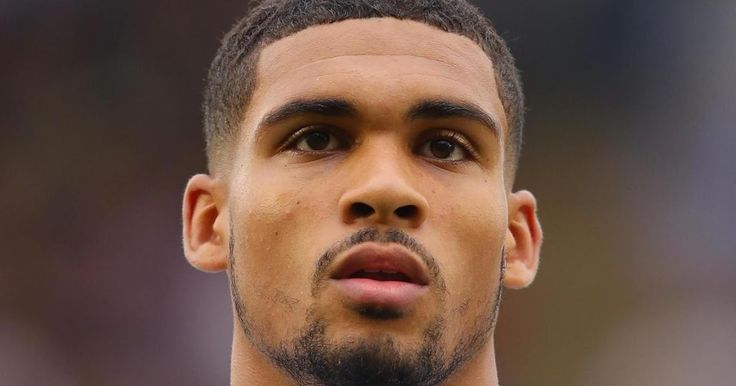 Ruben Loftus-Cheek: Chelsea midfielder joins Crystal Palace on season's loan             Crystal Palace have signed Chelsea and England Und...