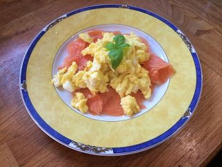 Diary of a Sauce Pot: Rachael's Recipes - Smoked Salmon and Scrambled Eggs
