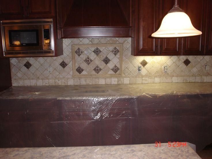 best 25 granite backsplash ideas on pinterest kitchen cabinets kitchen granite countertops and small granite kitchen counters