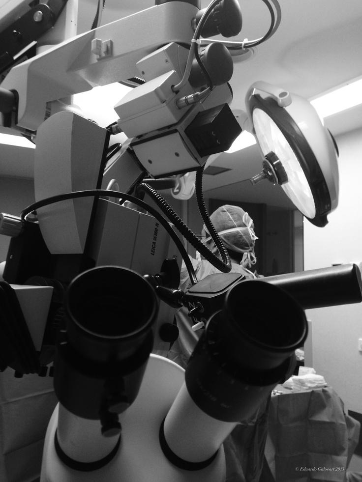 Microscopio para cirugía cerebral.