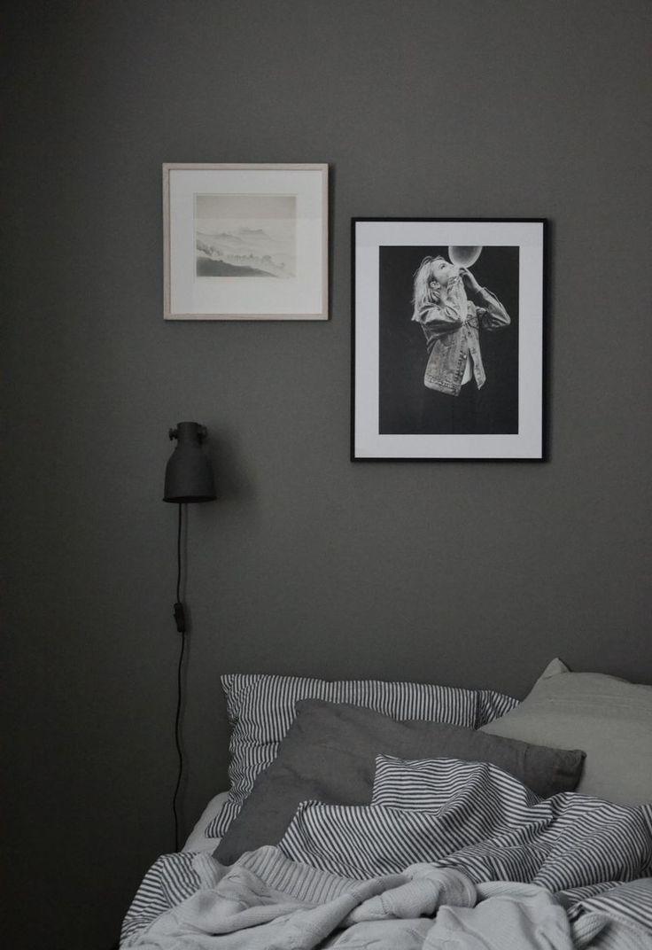 Sjuhundra nyanser av grått i vårt sovrum. Ångrar inte en sekund att vi valde att måla sovrummet grått. Jag tycker verkligen om nyansen, däremot hade jag kunnat tänka mig ännu mörkare så här i…