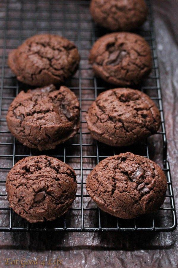Gluten free double chocolate chunk cookies jpg:Eatgood4life.com