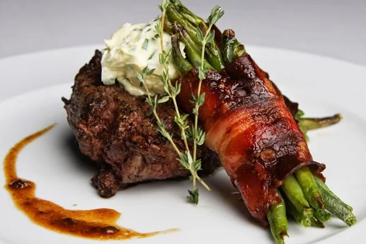óó steaky máme v Zľavomate radi!  #steak #foodblog #food #ilovefood #loveit  https://www.zlavomat.sk/zlava/557365-stavnaty-hovadzi-steak-alebo-jeleni-chrbat
