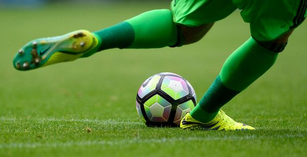West Brom goalkeeper Ben Foster clears the ball during the Premier League match between West Bromwich Albion and Everton at The Hawthorns on August 20, 2016 in West Bromwich, England.