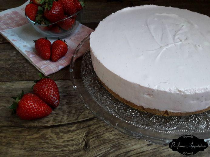 Cheesecake alle fragole senza cottura