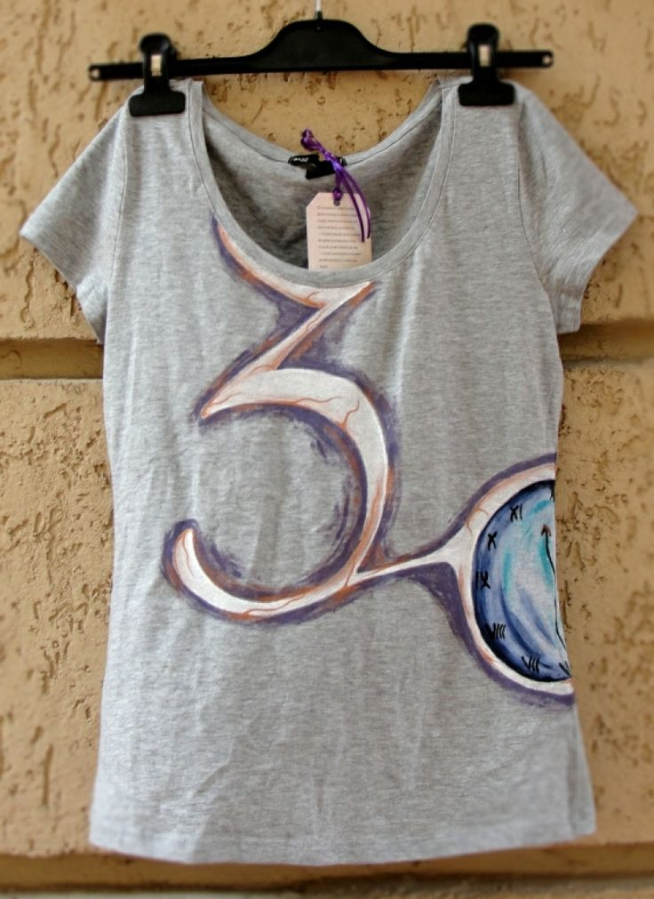 "Hand-painted t-shirt. Tricou pictat ""30 seconds"""