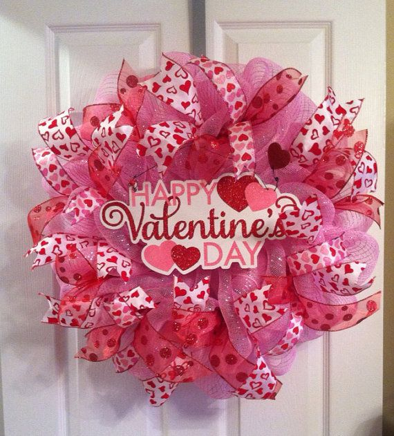 Valentine's Day Wreath/ Heart Wreath /Happy by Wreaths4u2byPaula