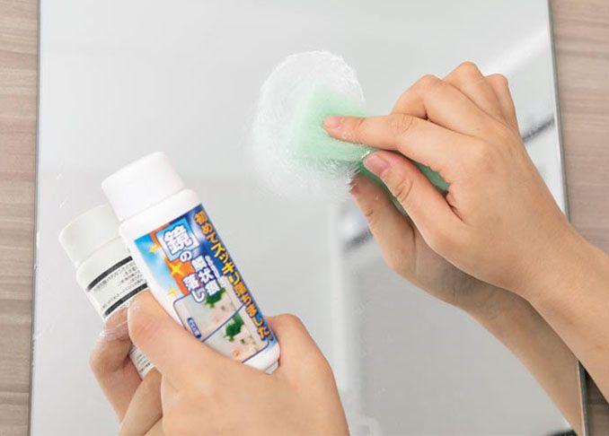 浴室や洗面所の鏡にしつこく残るウロコ状の汚れ 半ばあきらめている