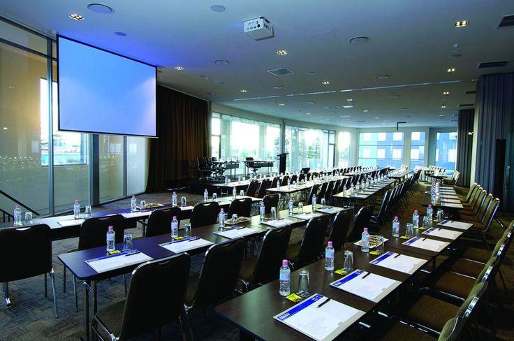 Ballroom | Classroom set-up | Melbourne event venue | Conference venue