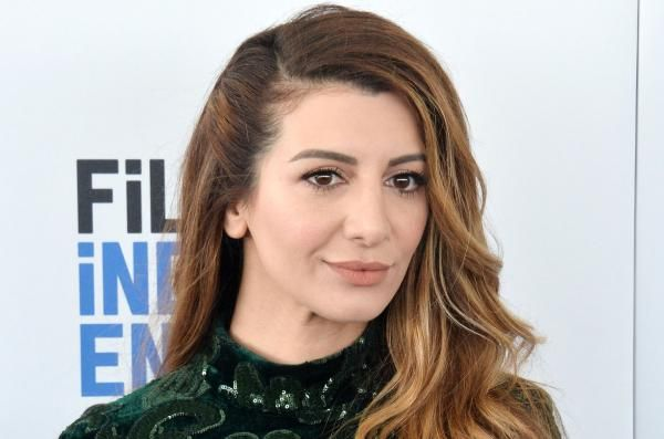 """""""Scream Queens"""" and """"New Girl"""" alum Nasim Pedrad is to co-star in Season 2 of the TBS comedy """"People of Earth."""""""