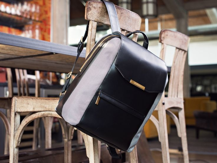 The perfect bag for the working woman with a commute. Carry on, beautifully.