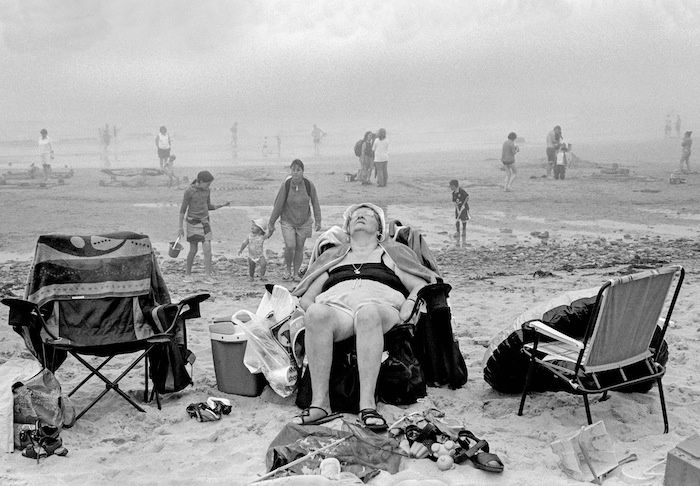 How Photographer David Hurn Captures Sublime Moments in Mundane Life | VICE United States