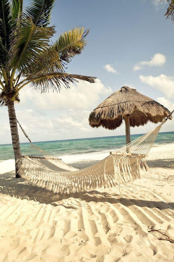 Uma Rede E Um Verão!por Depósito Santa Mariah. O cenário da praia, e do mar..hummmm que delícia.