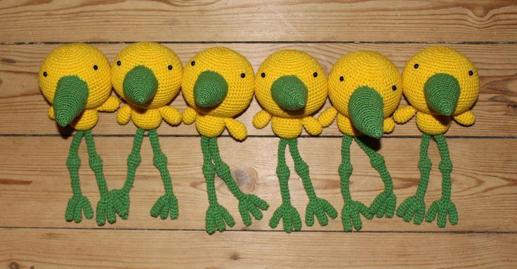 Crocheted bird (Yellow & Green) - Thumbnail 3