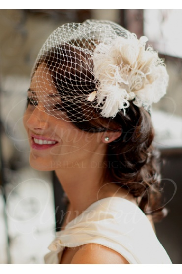 I am really liking these net veils.....I think they are so classy and pretty :)