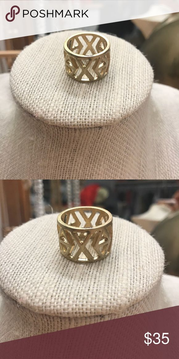 Anthropologie Gold Brushed Aztec Ring size 7 Gorgeous thick brushed gold Aztec print ring size 7 Anthropologie Jewelry Rings