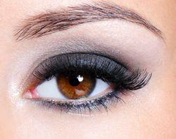 Tris heeft bruine ogen