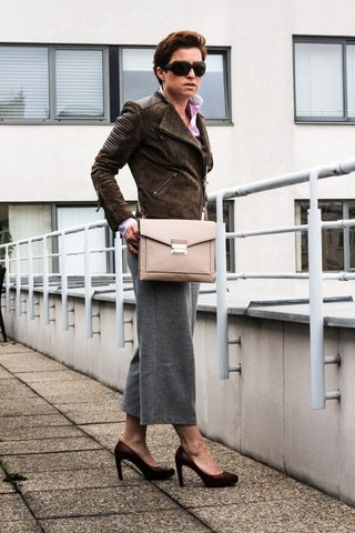OUTFIT: NUDE CROSS BODY BAG