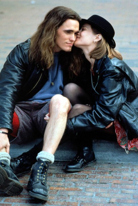 "Matt Dillon Bridge Fonda, ""Singles"" (1992). Veja também: http://semioticas1.blogspot.com.br/2013/07/punk-de-grife.html"
