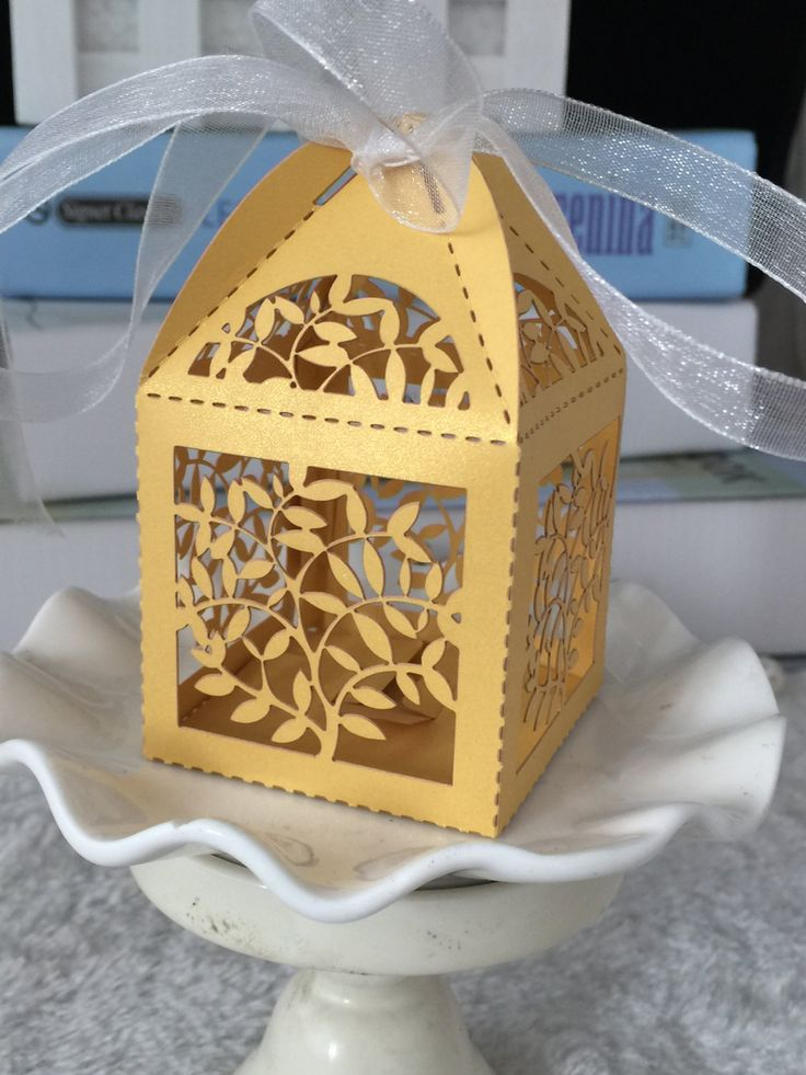 100pcs free Shipping Leaves Pearl Paper Gold Color Laser Cut Wedding Party Favor Box with ribbon,wedding candy box,gift box by KJdecoration on Etsy