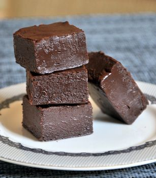 how to make fudge with condensed milk and sugar