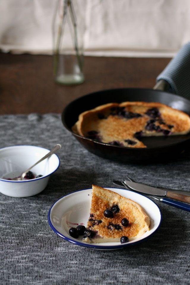 Dutch baby blueberry pancake (ovengebakken pannenkoek) - Yellow lemon tree