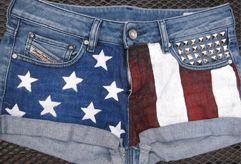 korte broek met Amerikaanse vlag en studs