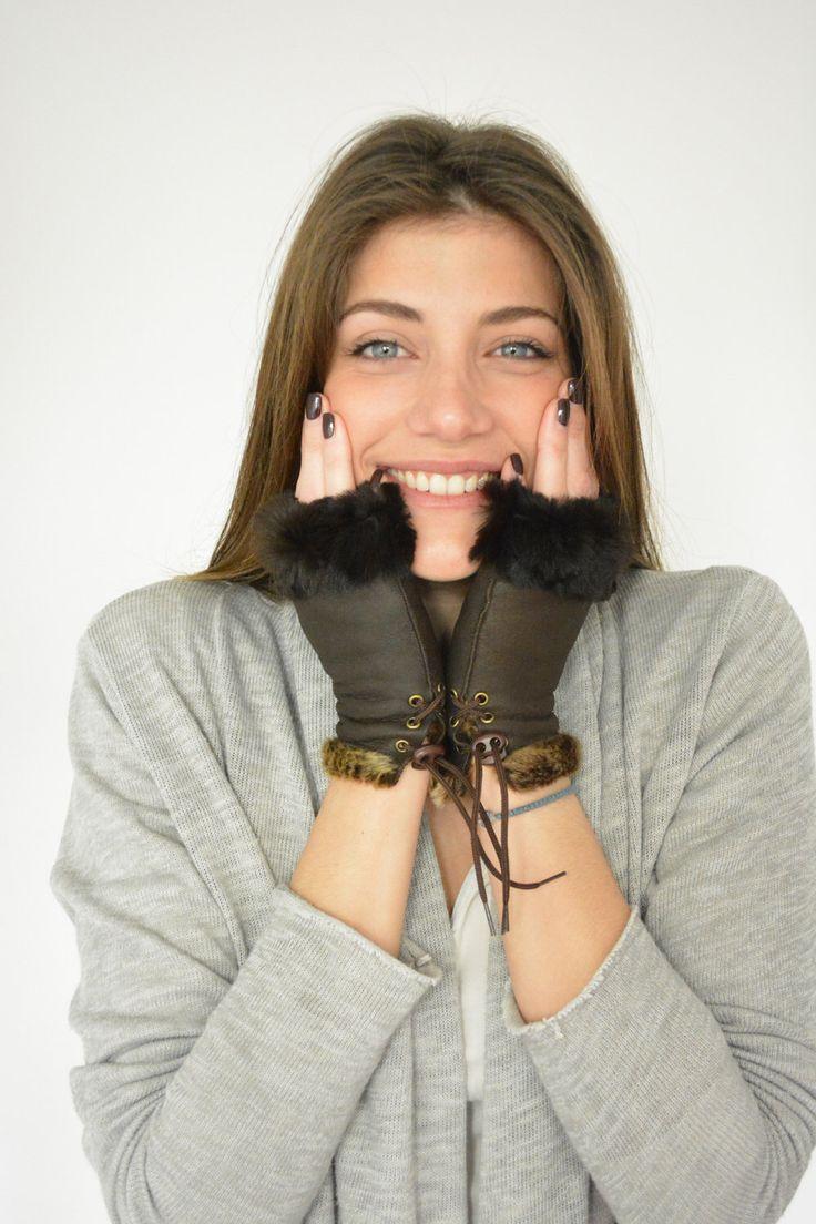 Fingerless Gloves, Leather Fingerless Gloves, Shearling Fur Gloves, Womens Gloves, Sheepskin Gloves, Leather Gloves Women, Brown Gloves by lefushop on Etsy https://www.etsy.com/listing/516030557/fingerless-gloves-leather-fingerless