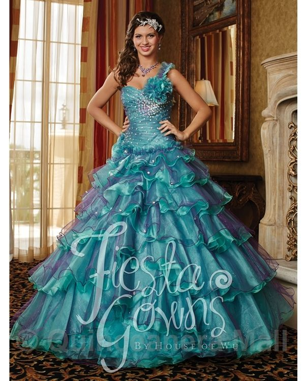 Quince dresses turquoise and white fabric