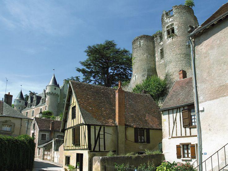 Montrésor, l'un des plus beaux villages de France.