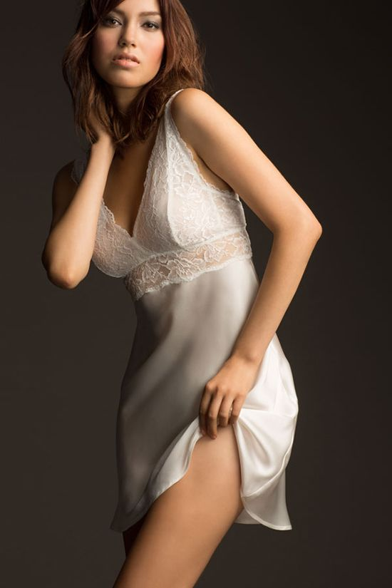 Wedding day lingerie from @NK_iMODE