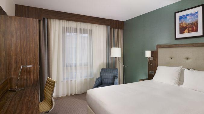 DoubleTree by Hilton Hotel London - Islington UK - Deluxe King bedroom