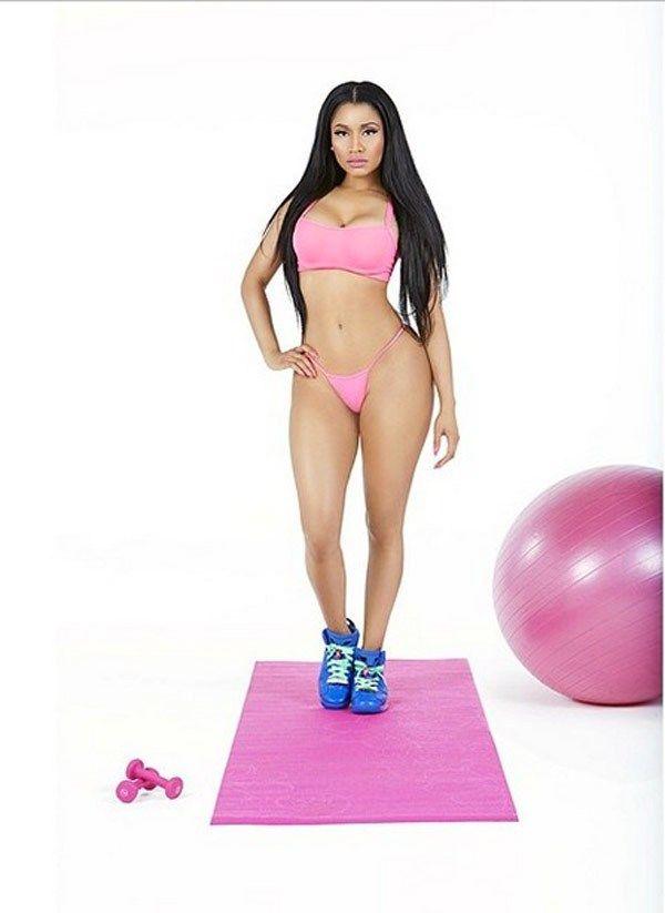 Nicki-Minaj-Anaconda-front-cover-ftr
